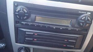 radio alana seat pin auxiliar mp3-3