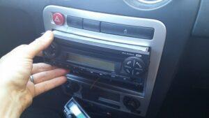 radio alana seat pin auxiliar mp3-4